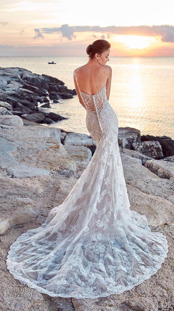 Vestito donna matrimonio, abito bianco tulle trasparente, ragazza in riva al mare