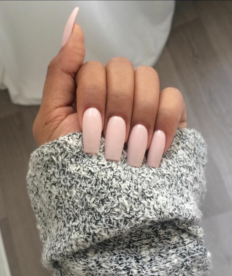 Unghie gel rosa, manicure donna smalto nude, unghie forma squadrata