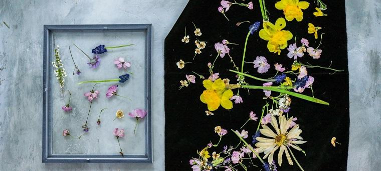 Regali per la mamma, cornice con fiori, fiori colorati essiccati
