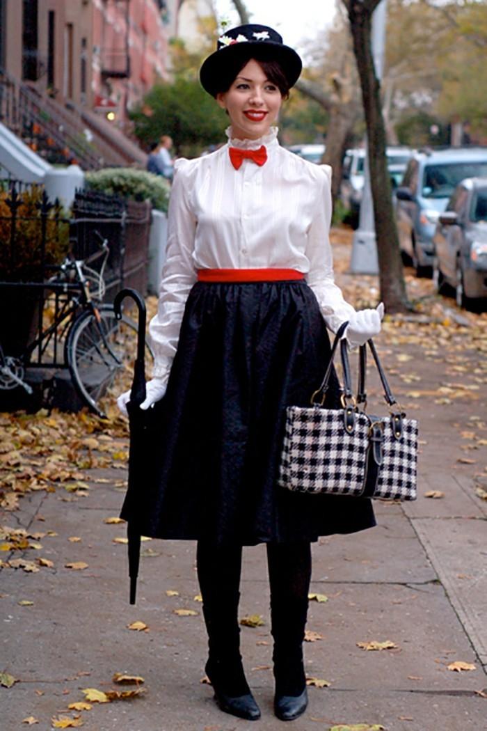 Donna con abiti vintage, costumi facili per halloween, costume di Mary Poppins