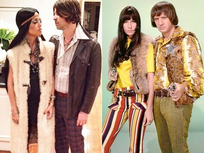 Travestimento di coppia, costumi halloween fai da te, uomo e donnacon abiti vintage
