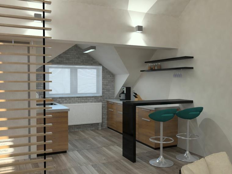 Sottotetto piccolo con cucina, cucina con mobili di legno, isola con sgabelli alti