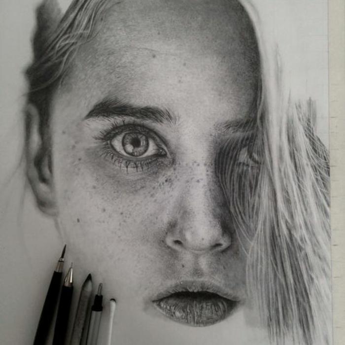 Disegno ragazza, ritratto di una donna, disegno viso a matita