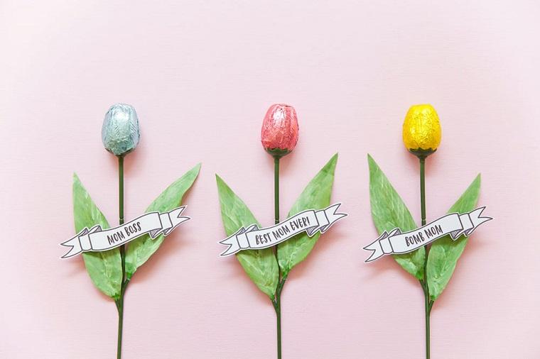 Regali fai da te, fiori con cioccolatini, scritte per la festa della mamma