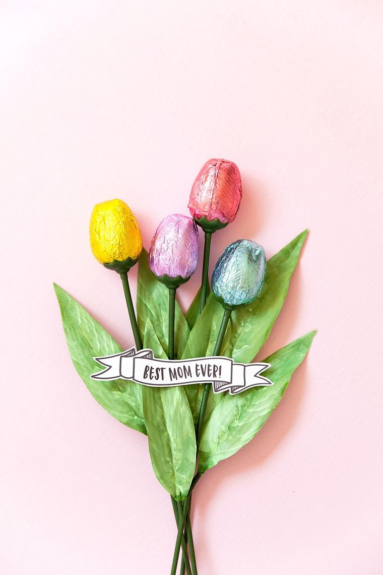 Scritta best mom ever, cioccolatini incartati con carta stagnola, cosa regalare per la festa della mamma