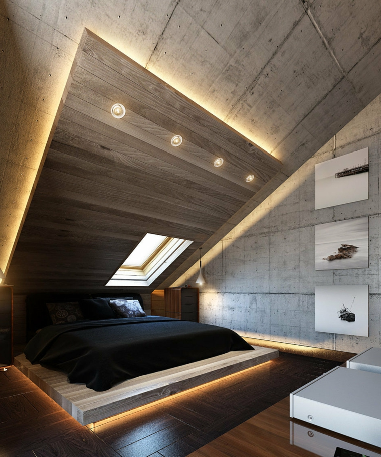 Camera da letto con soffitto di legno, illuminazione nascosta, zona notte in mansarda