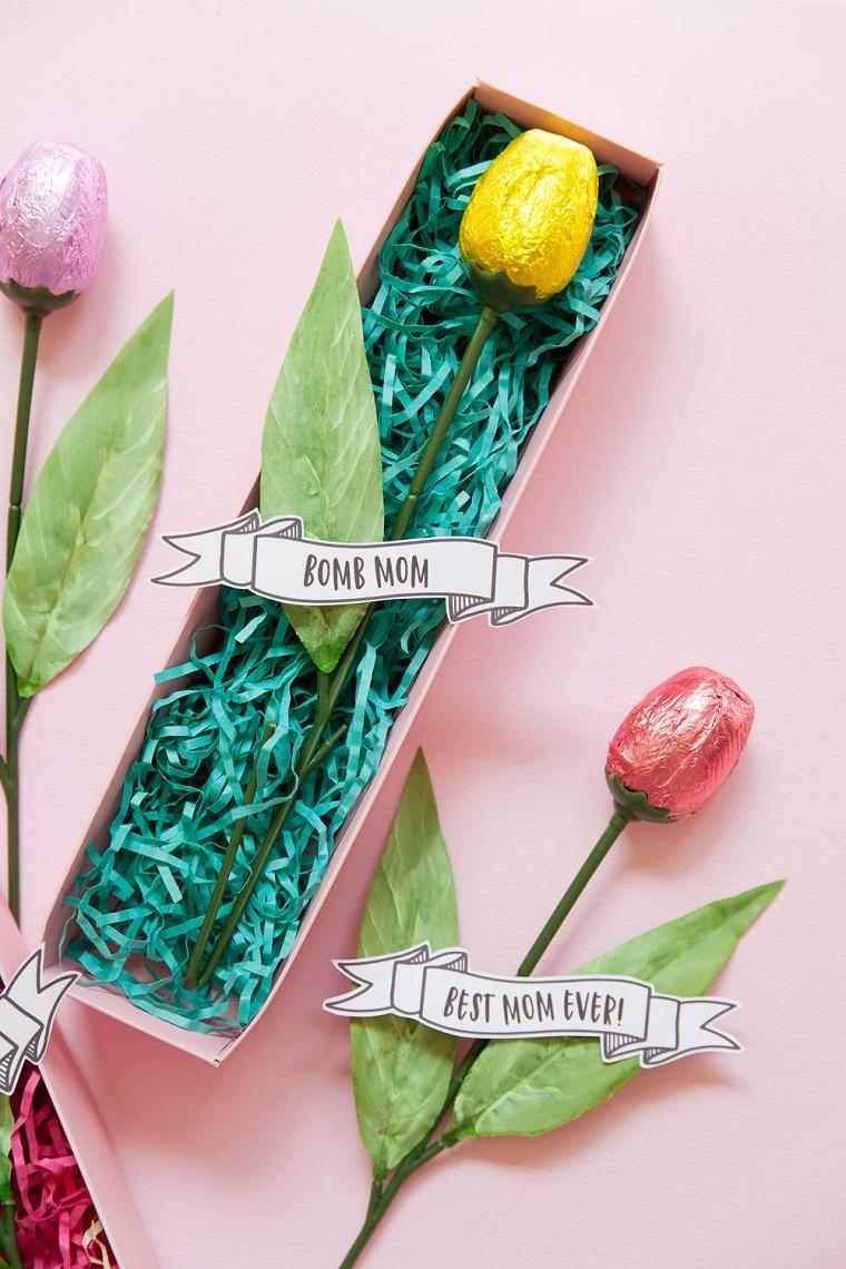 Idee regalo festa della mamma economiche, fiore finto con cioccolatino incartato