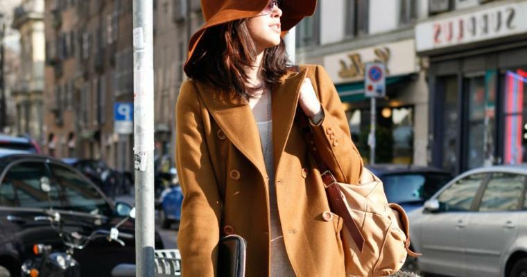 Colore capelli 2019, ragazza con cappotto e cappello, capelli di colore castano