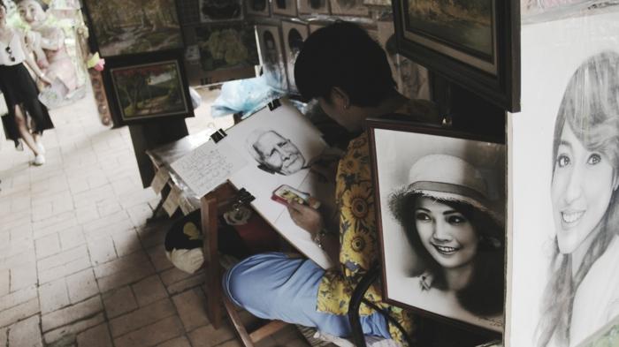 Quadri di donne, ritratti di ragazze, uomo che disegna