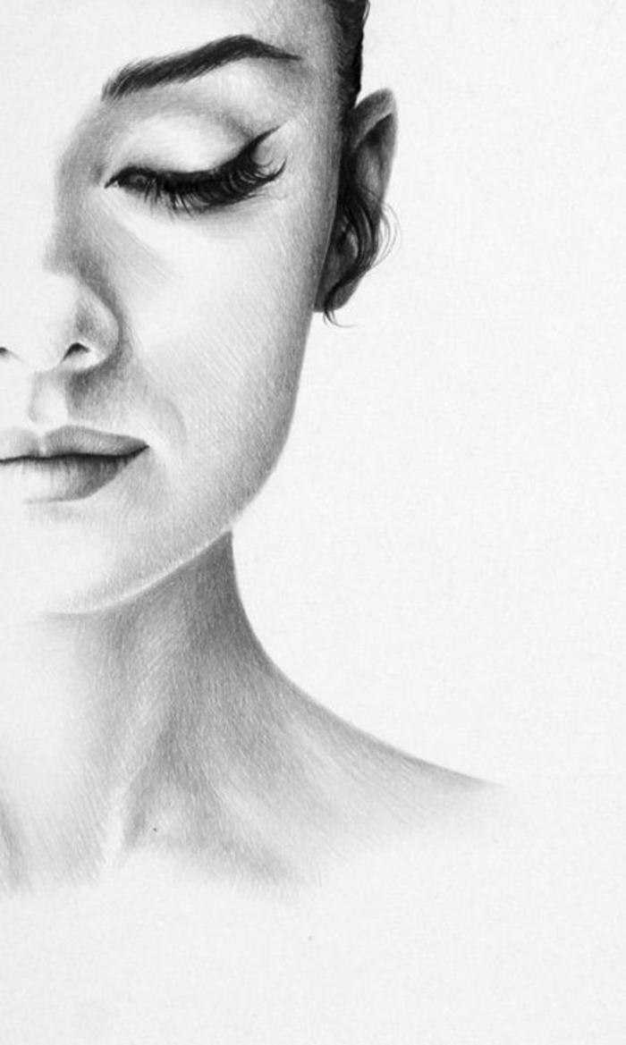 Ritratto di una ragazza, disegno su foglio bianco