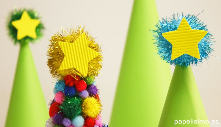 Albero di Natale, albero con stella, albero di carta, lavoretti per bambini facili