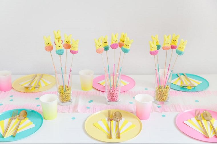 Addobbi pasquali, centrotavola con coniglietti, dolci forma coniglietto