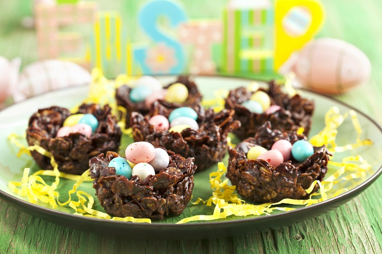 Cornflakes al cioccolato, come riciclare le uova di pasqua, ovetti colorati di cioccolato