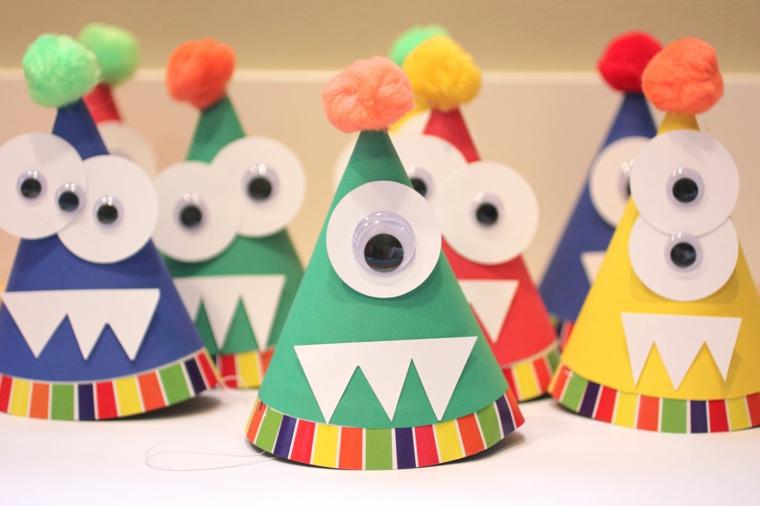 Cappellini con pom pom, laboratori creativi per bambini