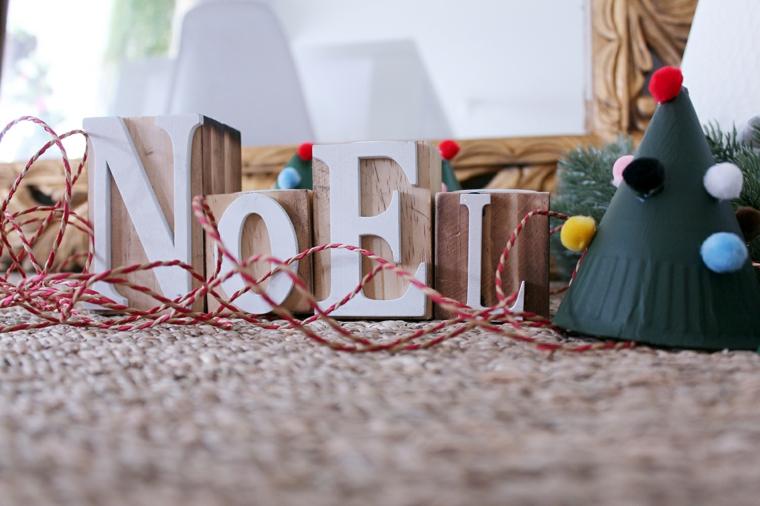 Attività ludiche per bambini, scritta in legno, cappello con pom pom
