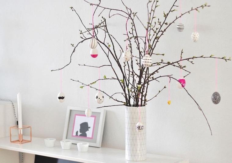 Albero pasquale, decorazioni pasquali da appendere, vaso con rami