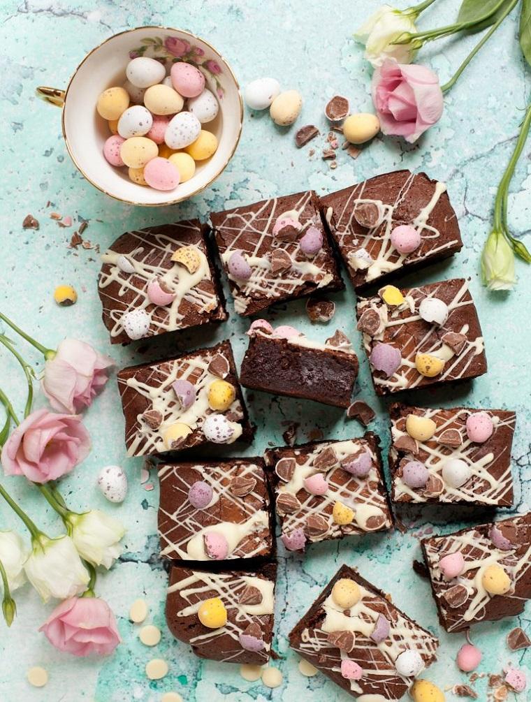 Brownies con ovetti, torta con cioccolato kinder, rose con petali bianchi