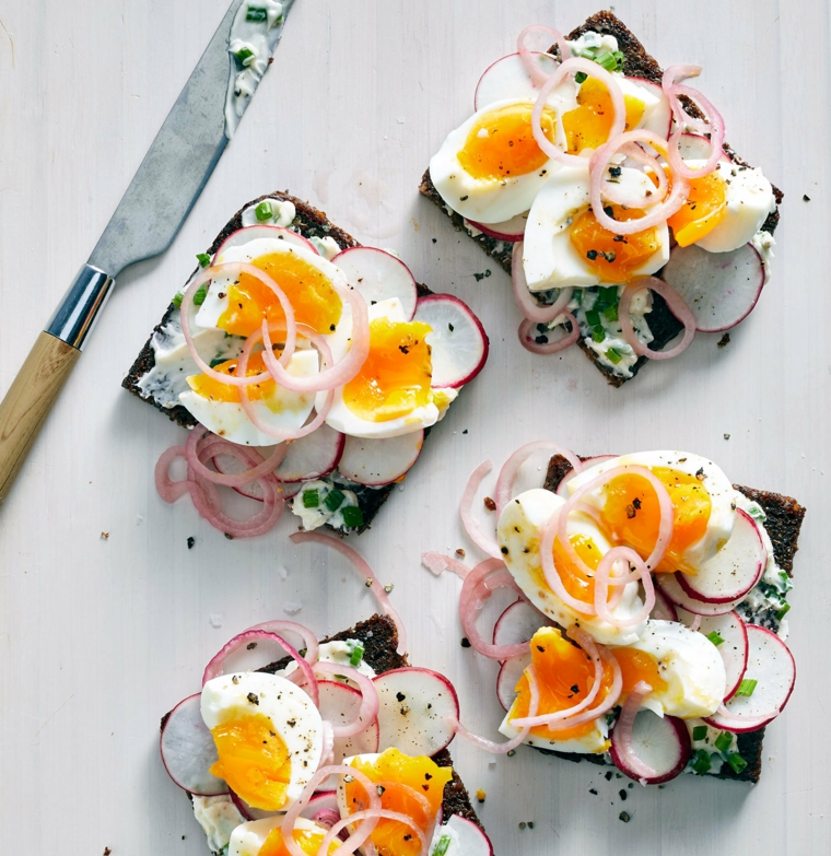 Come consumare le uova di Pasqua, toast con pane integrale, panini con uova sode