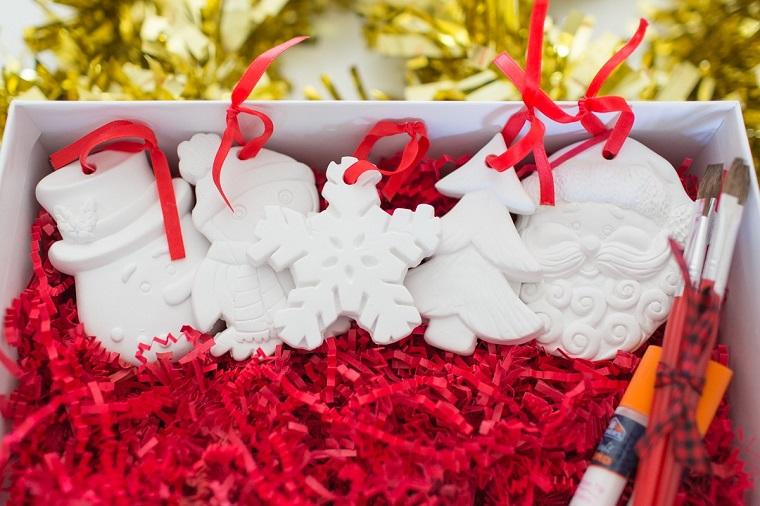 Lavoretti di Natale facili, statuine di gesso, kit per dipingere
