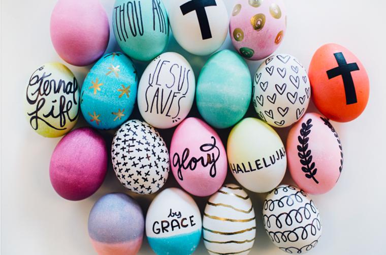 Decorazione uova con scritte, decorazioni pasquali, dipingere le uova