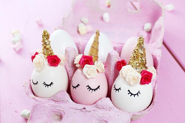 Decorazione uova unicorno, uova con faccine, corno in oro