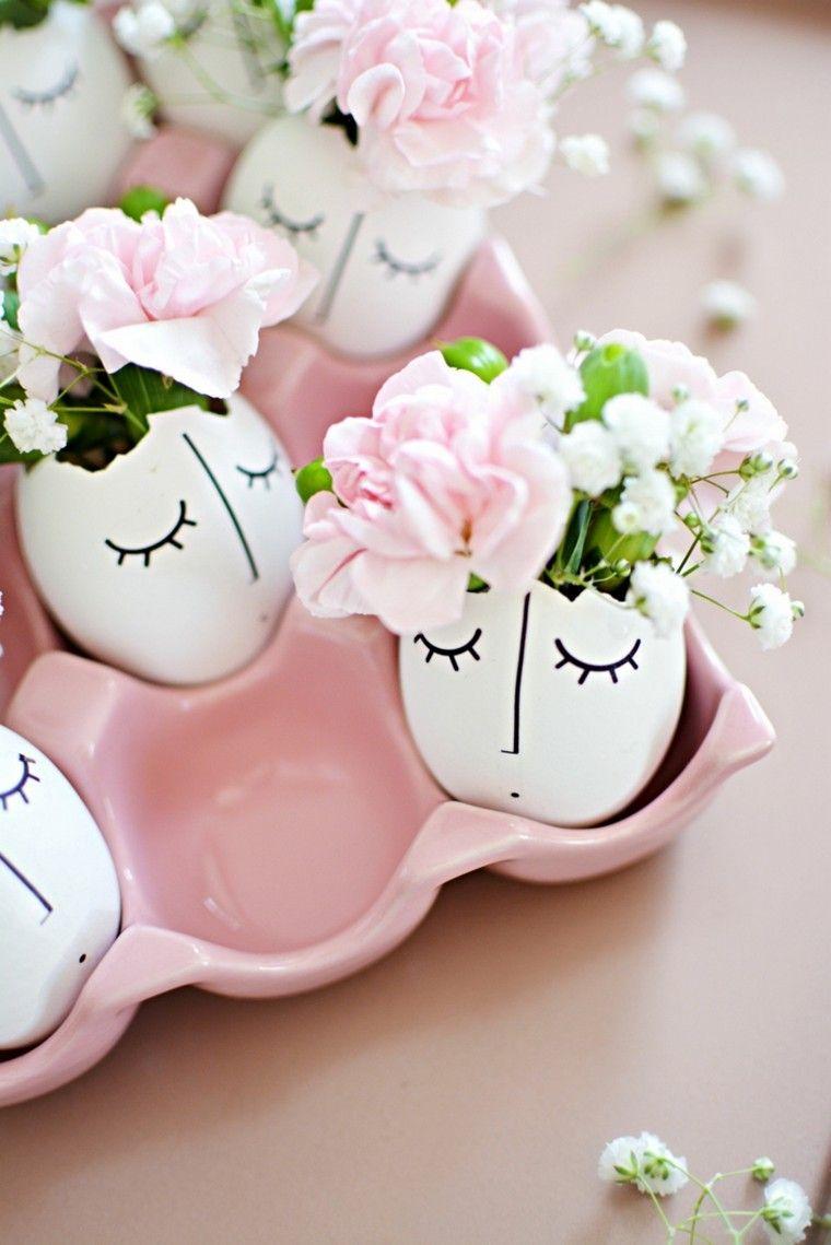 Vasi per fiori, guscio di un uovo, fiori colorati