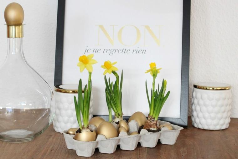 Uova con piante, segnaposto pasquali, decorazioni di Pasqua