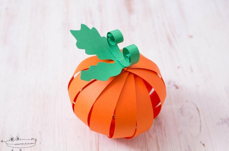 Zucca di carta, decorazioni di Halloween, strisce di carta
