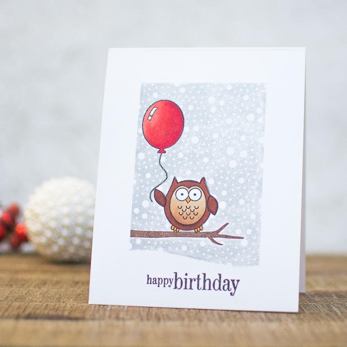 Lavoretti per compleanni, cartolina con disegno, disegno di un gufo, palloncino rosso