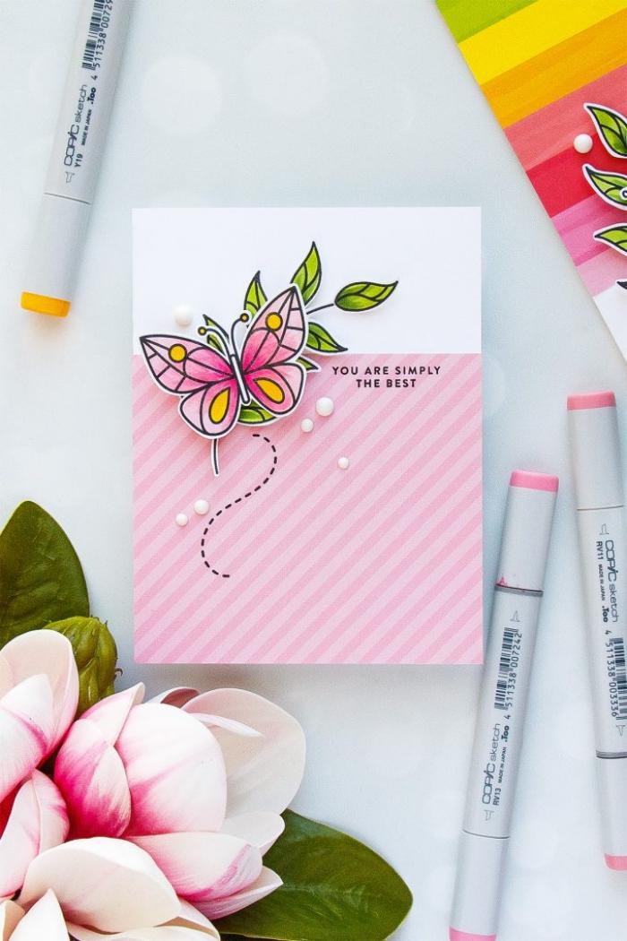 Buon compleanno personalizzato gratis, cartolina con farfalla, disegno con pennarelli