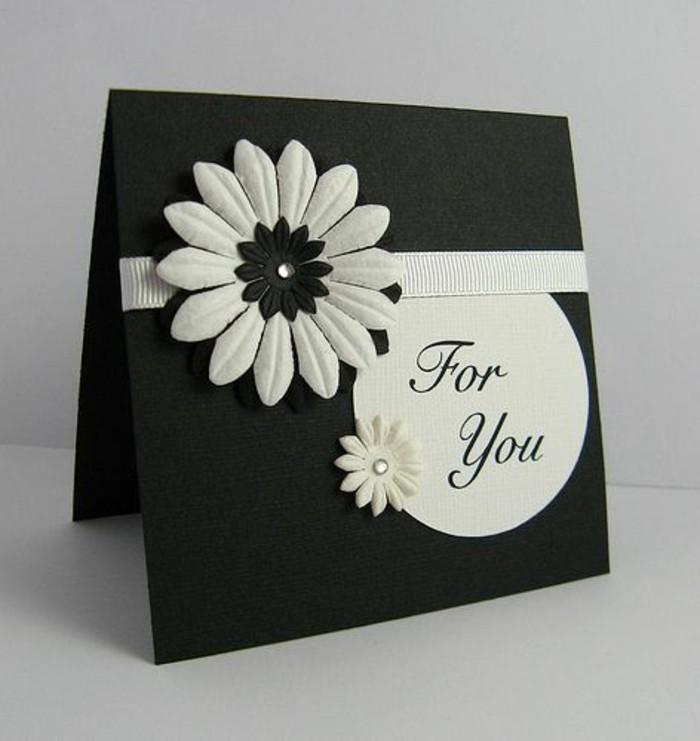 Regalo per una bimba, bigliettino con scritta, scritta per te, fiore bianco incollato