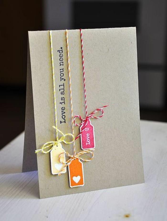 Cartolina fatta a mano, fili incollati colorati, scritta in inglese