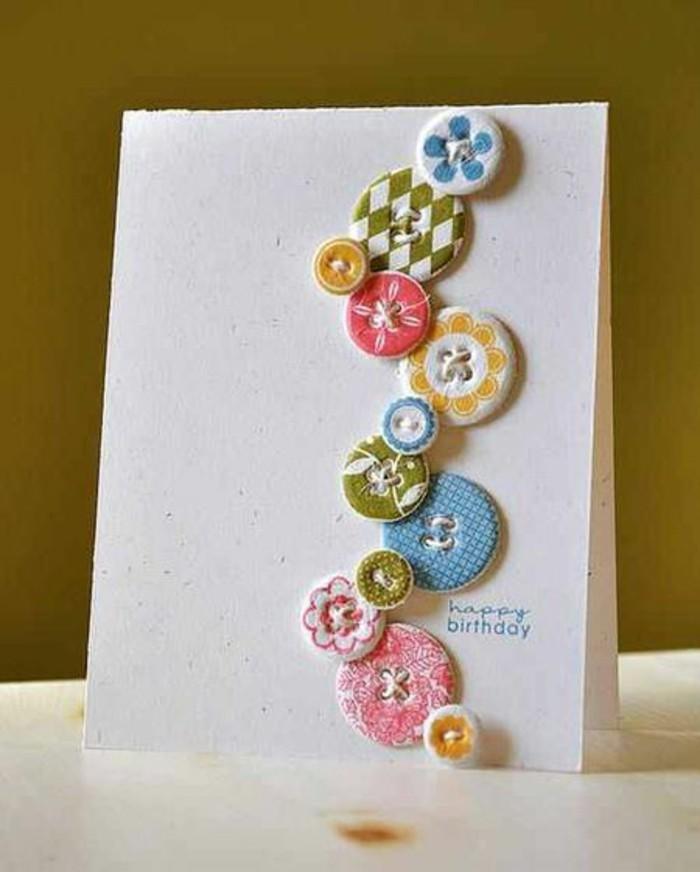 Cartolina fatta a mano, bigliettino con bottoni, scritta per auguri compleanno