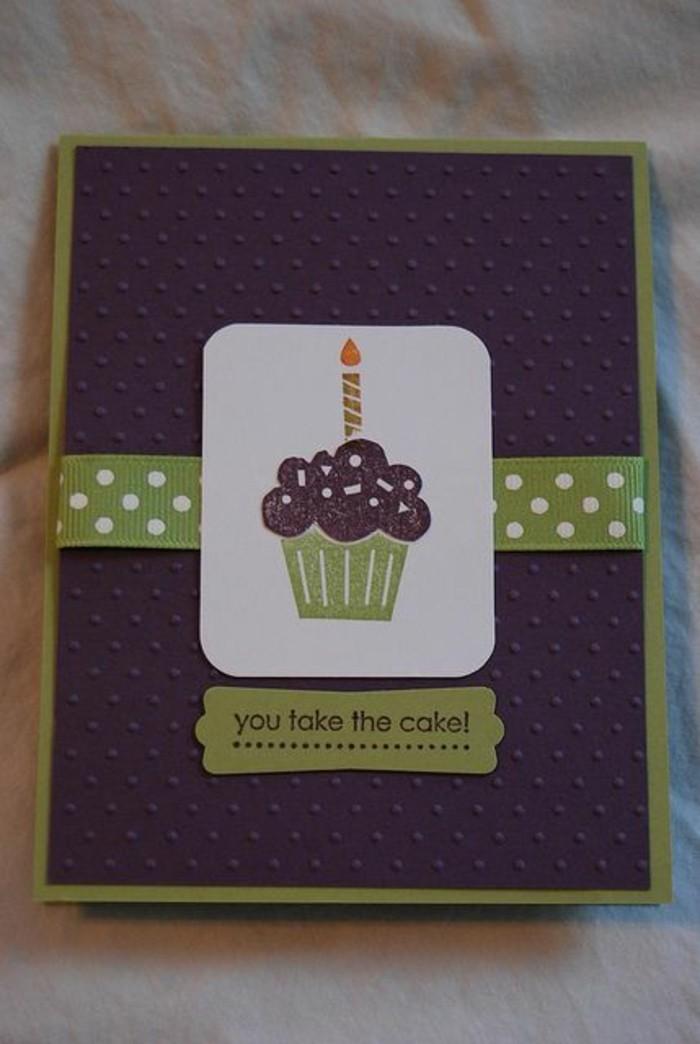 Cartolina bordo verde, disegno cupcake, biglietti buon compleanno