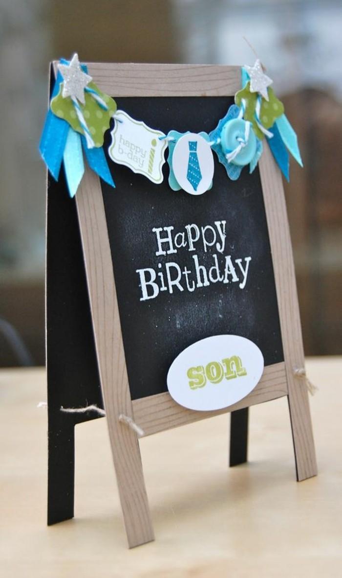Cartolina forma regalo, scritta buon compleanno, idea regalo bimbo