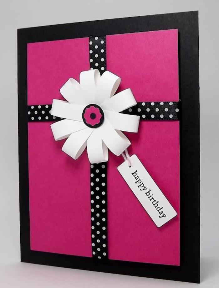 Biglietto di auguri, cartolina con fiore di carta, nastro nero a pois