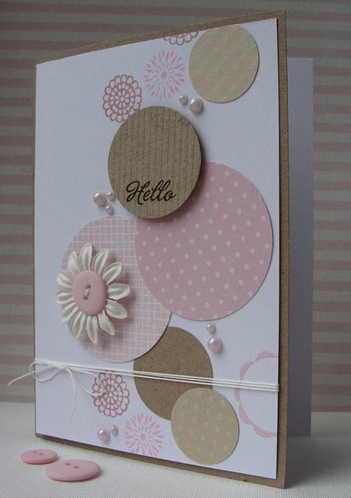 Bigliettino con stickers, decorazioni con perle, fiore di carta