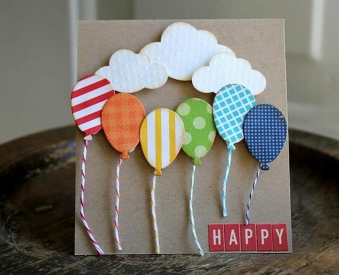 Foglio di colore grigio, cartolina per compleanno, palloncini 3d incollati