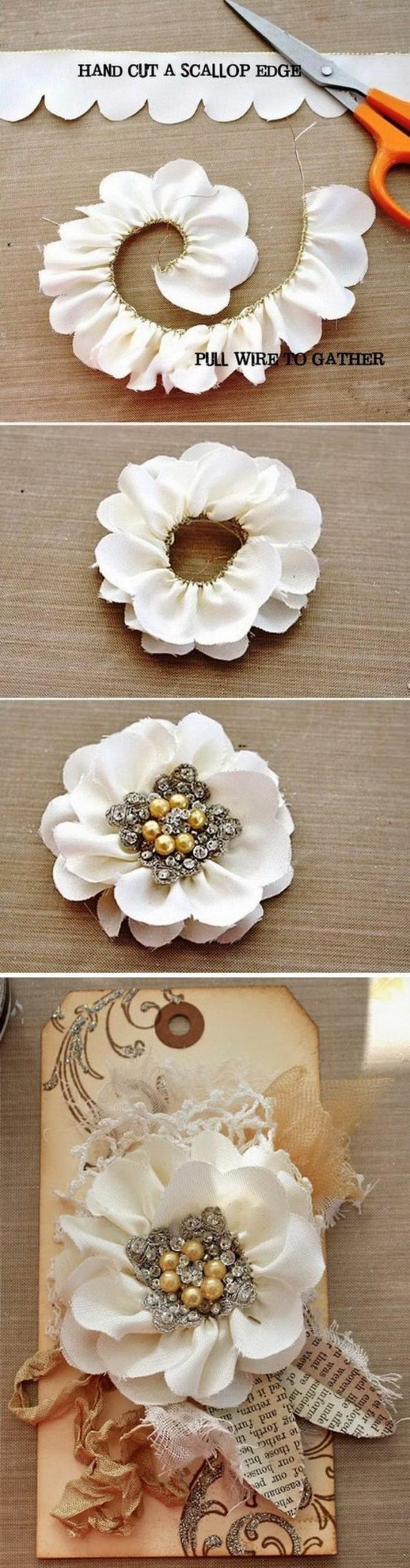 Decorazioni con fiori, bigliettino shabby chic, tessuto colore bianco