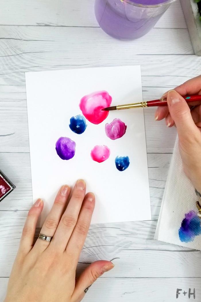 Buon compleanno personalizzato gratis, disegno con pennello, cerchi colorati