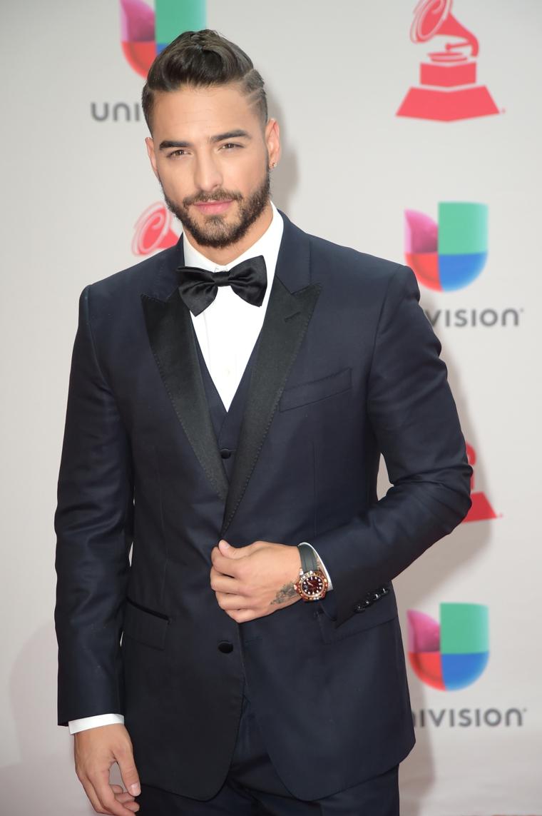 Pettinature uomo, il cantante Maluma, capelli rasati