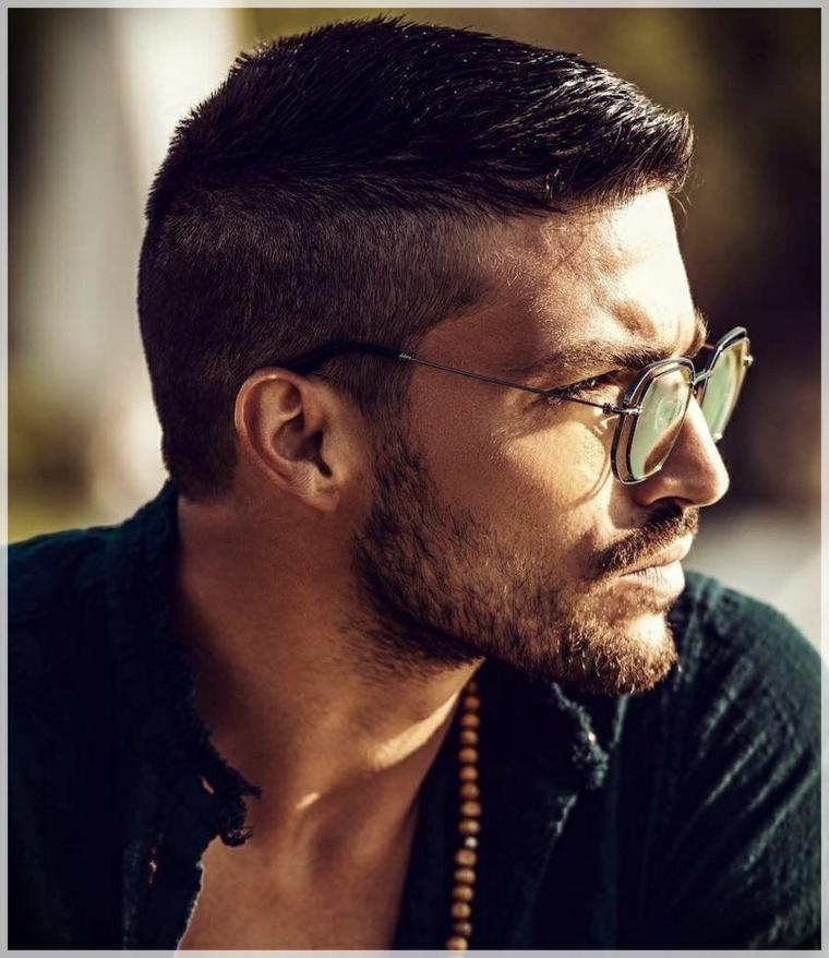 Pettinature uomo, uomo con capelli rasati, occhiali da sole