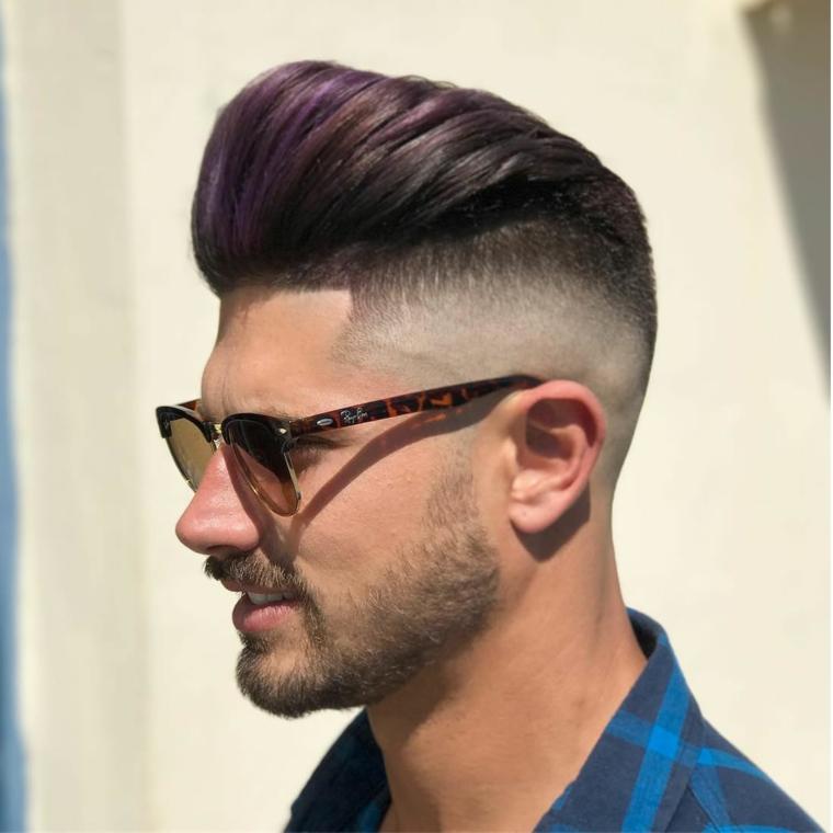 Acconciatura uomo pompadour, taglio capelli rasato laterale
