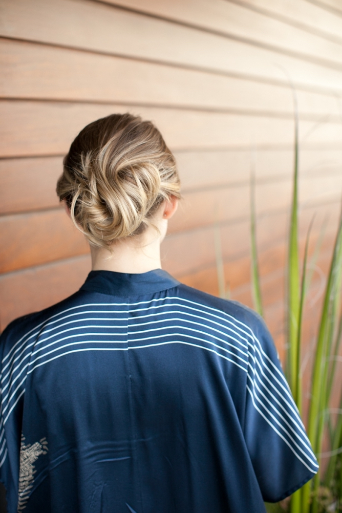 Acconciature semplici capelli lunghi, capelli legati in basso