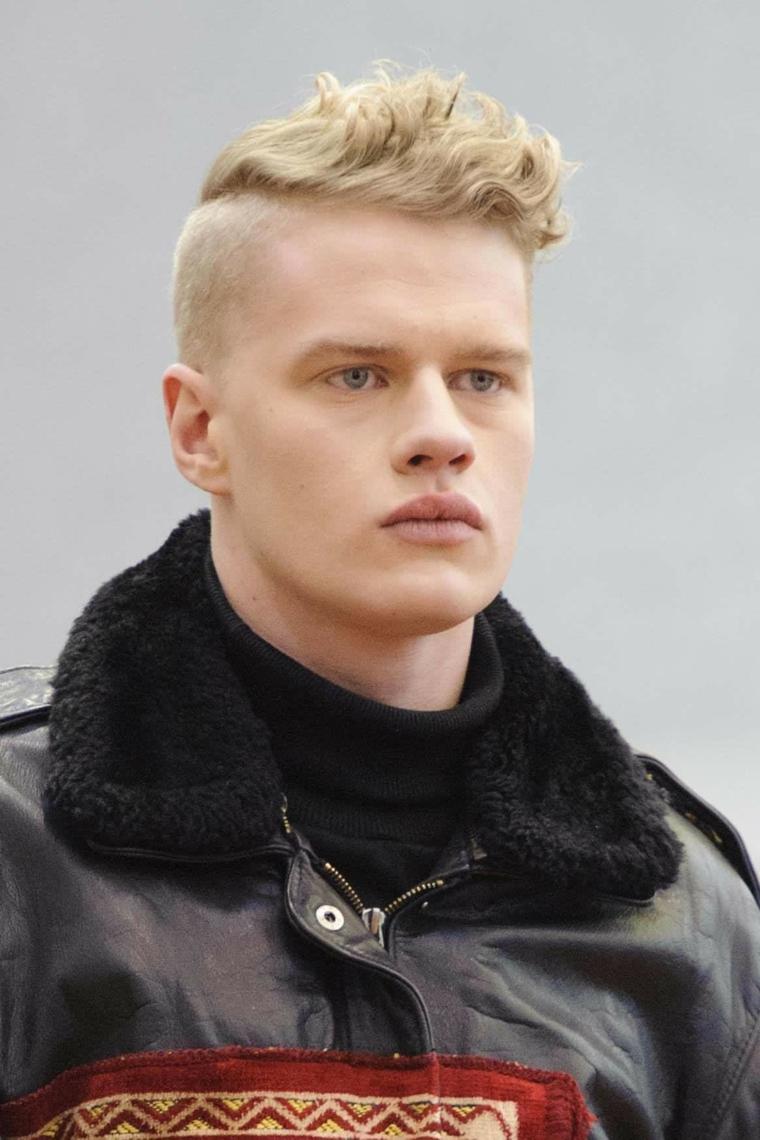 Tagli capelli maschili, ragazzo con capelli biondi, uomo con occhi azzurri