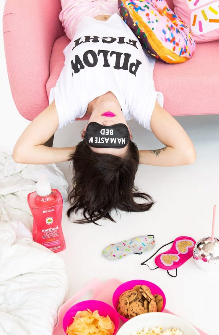 Idee regalo creative, maschera per dormire, maschera con scritta
