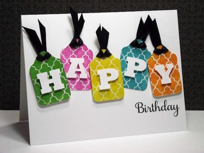 Bigliettino per auguri, scritta buon compleanno, lettere tridimensionali
