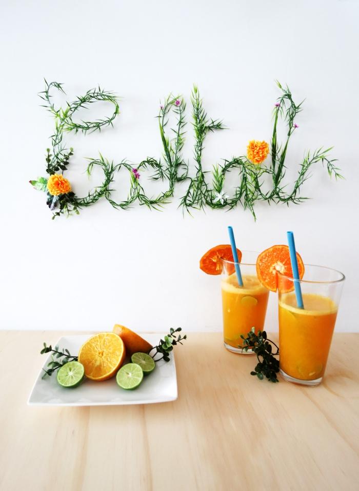 Stickers da muro, scritta con rametti verdi, bicchieri con succo di frutta