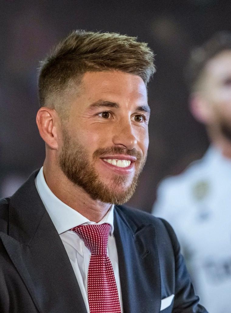 Il calciatore Sergio Ramos, uomo con barba, capelli sfumati uomo