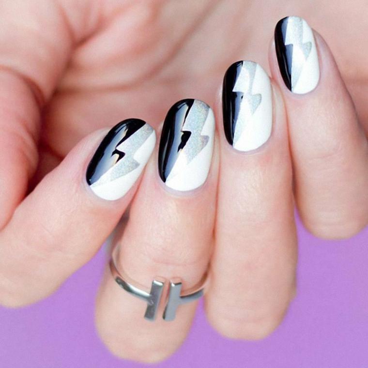 Anello donna in argento, smalto bianco e nero, manicure a mandorla